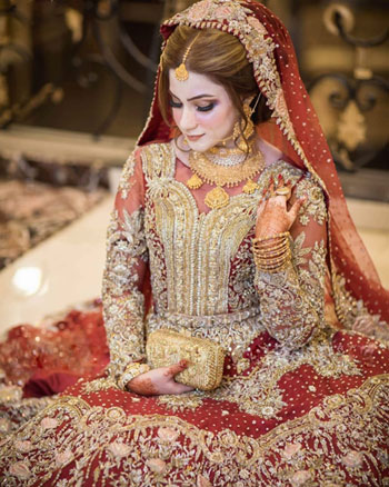Pakistani Bridal Lehenga & Wedding Dresses Designer